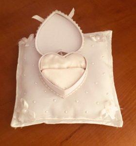 Продаётся свадебная подставка для колец