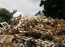 дрова -сухие целые и сломанные поддоны б\у
