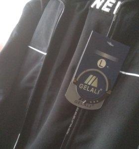 Новый споривный костюм р L