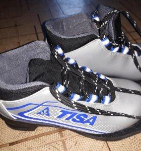 Лыжные ботинки р.31