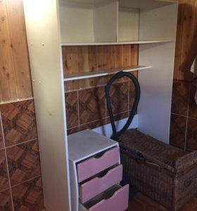 Шкаф бельевой, тумба, стол, полка книжная