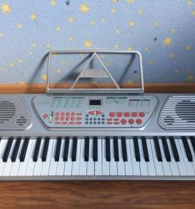 Музыкальная электронная клавиатура SK520