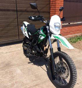 X-Moto ZR 200