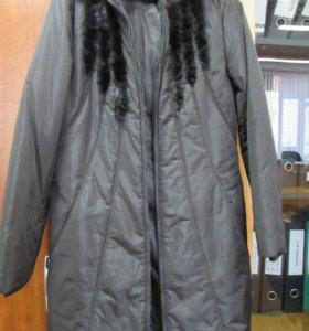 Пальто пуховик с меховой отделкой