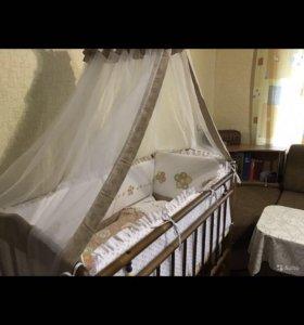 Кровать с балдахином и борт