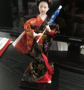 Фигурка гейши