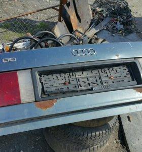 Крышка багажника Audi 80