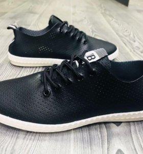 Новые кроссовки мужские и женские