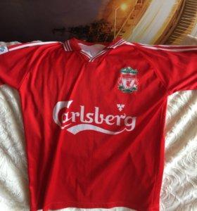 Футболка Liverpool+ в подарок отдам гетры