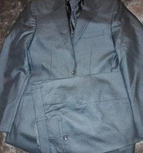 Мужской костюм (новый) 52 размер