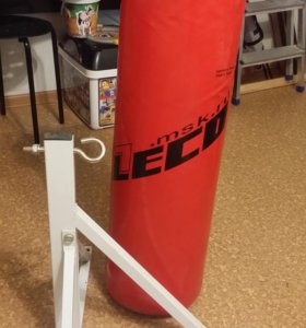 Боксерский мешок 30 кг с кронштейном