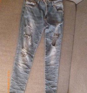 Новые джинсы Daniela Pratto