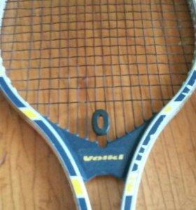 Две ракетки тенисные