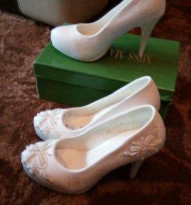 Свадебные туфли новые
