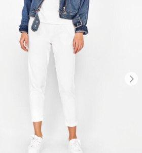 Новые брюки BERSHKA