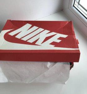Кроссовки Nike,размер 37,5