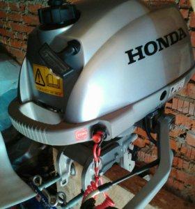 Лодочный мотор Хонда 2,3 с лодкой Навигатор 300