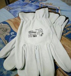 Новые перчатки сварщика