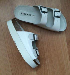 Новые кожаные сандалии р.39