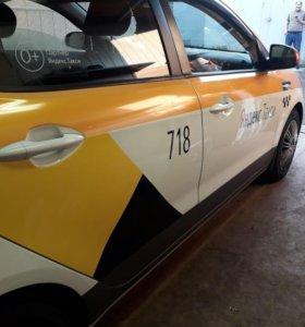 Оклейка по ГОСТу такси, брендирование Яндекс