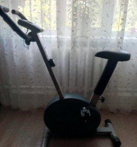 Велотренажёр TORNEO.