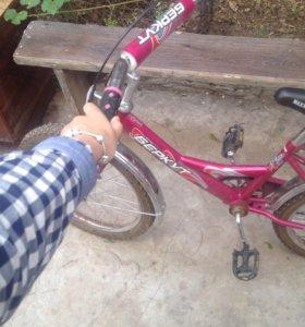 Велосипед розовый