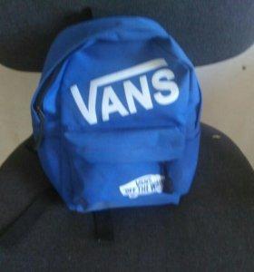 Продам рюкзак фирмы Vans