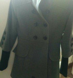 Осеннее пальто в идеальном состоянии