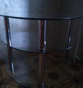 Столик стеклянный с хромированными ножками