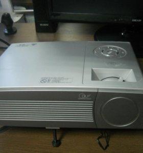 проектор TOHIBA TDP-T100