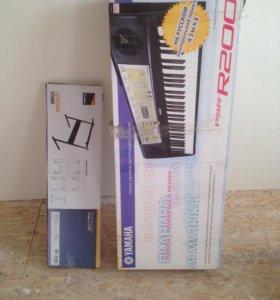 Синтезатор+подставка Yamaha r200