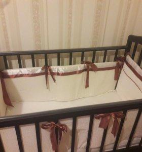 Детская кроватка(из березы) с матрацем,бортиками