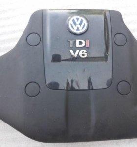 Крышка двигателя vw passat v6 2.5 tdi