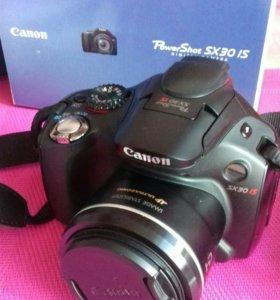 Продам фотоаппарат Canon зеркалка.