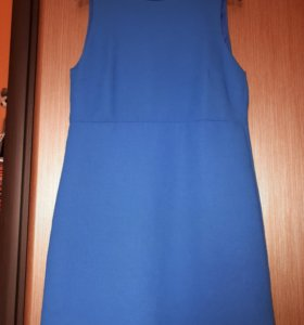 Платье ZARA ярко синее 900 руб 46-48 рр