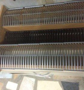 деревянная стойка для хранения восьмидесяти компак