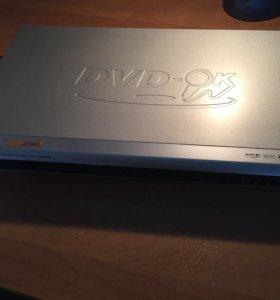 ДВД плеер, караоке. . Видеомагнитофон. Цена за 2