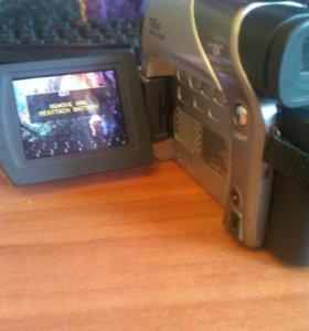 Продам видеокамеру сросно!!!