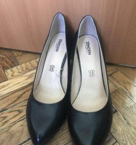 Туфли женские кожаные 40