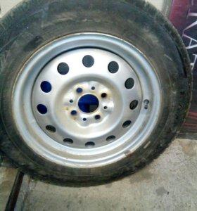 Резина зима новая на машине не стояла два колеса