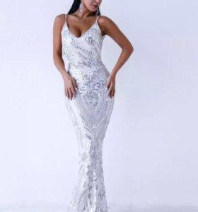 Платье вечернее, длина макси, в серебряную пайетку