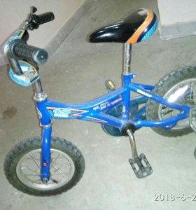 Детский велосипед 12 дюймов в отличном состоянии