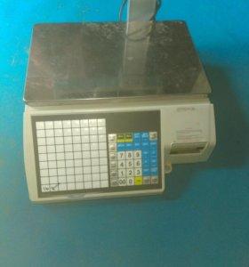 Электроные весы в магазин