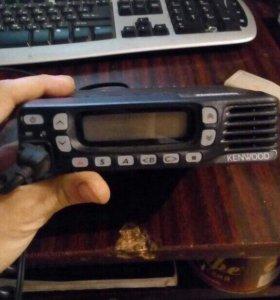 Продам автомобильную радиостанцию kenwood