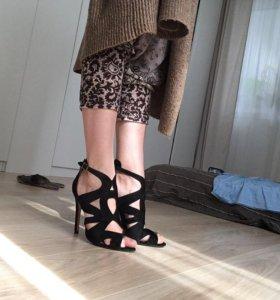 Замшевые босоножки Zara Basic