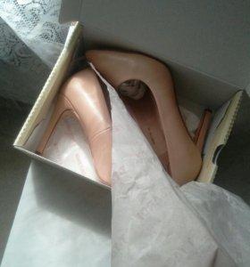 Туфли новые* 40р