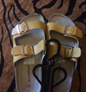 Новые сандалии-сланцы