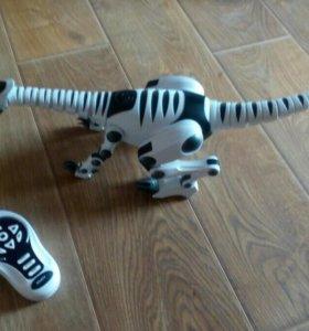 Интерактивная игрушка робот Roboreptile 8065