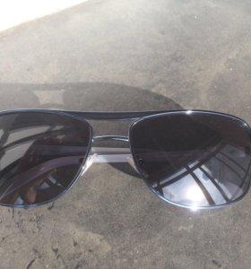 Солнцезащитные очки DKNY оригинал.