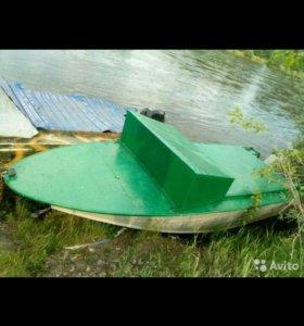 Лодка моторная Днепр